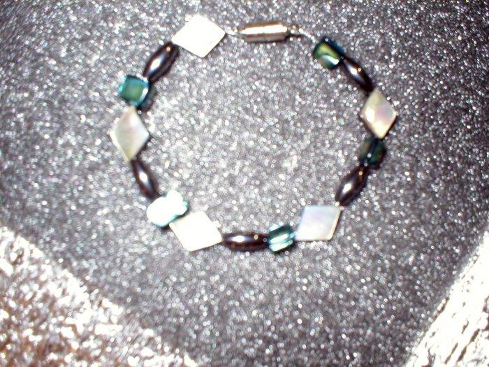Shell/Hematite Bracelet