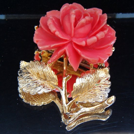VINTAGE CELLULOID CABBAGE ROSE BROOCH (WW1)