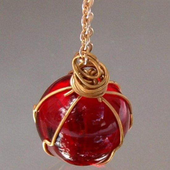 ANTIQUE RUBY RED GLASS NECKLACE (N38)
