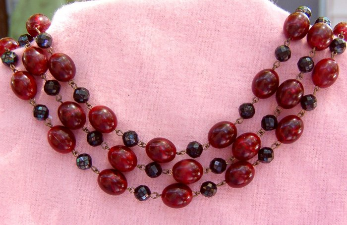 ANTIQUE WEST GERMANY 3-STRAND NECKLACE (N40)