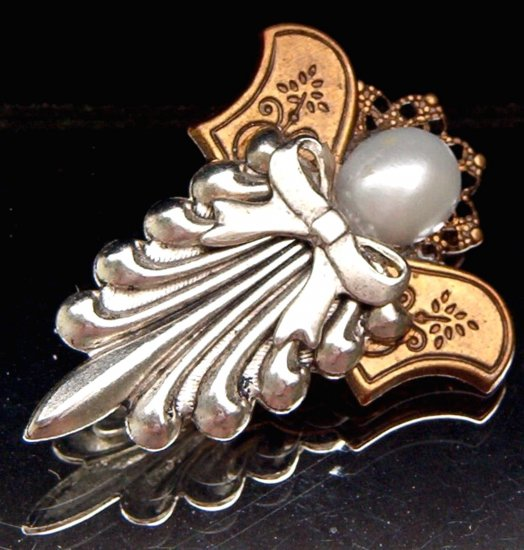 VINTAGE ANGEL PIN  (GOD2)