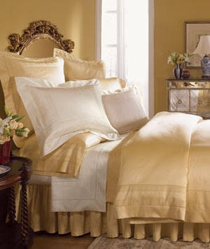 New Sferra 1020 TC Capri Flat Sheet-Queen-Honey