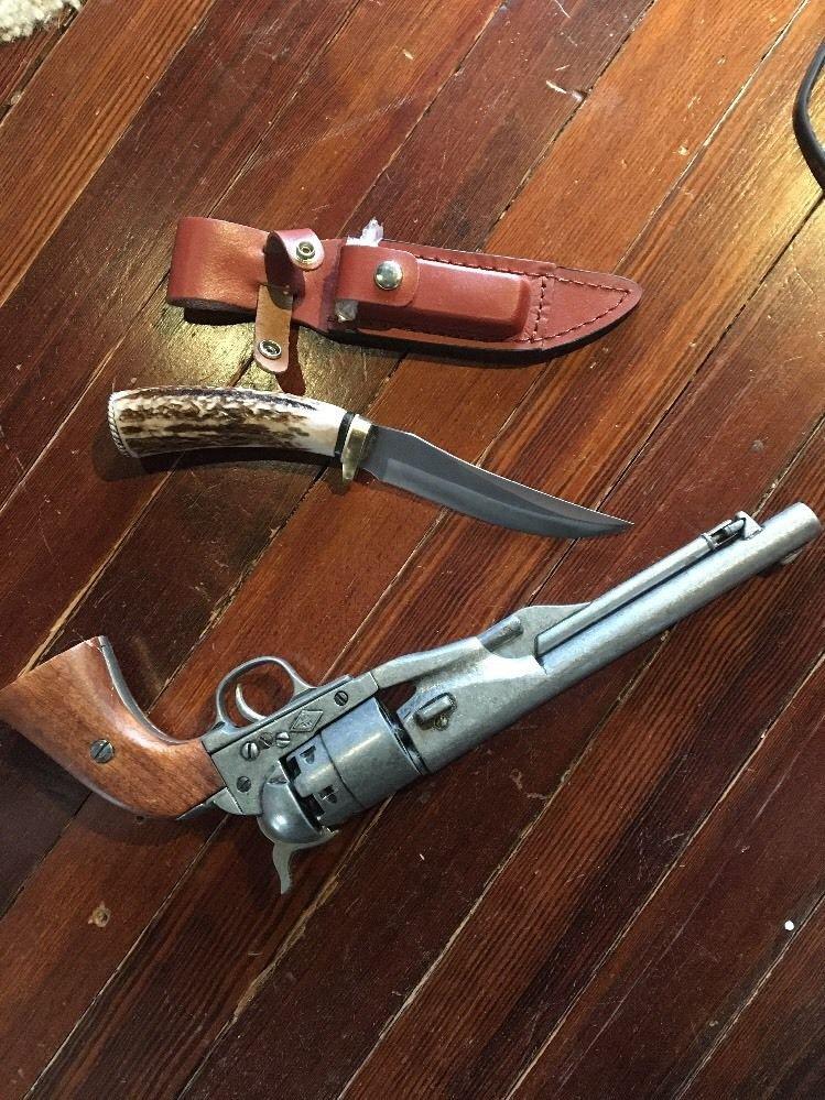 Schrade Uncle Henry Golden Spike Fixed Blade Knife Custom Added Antler Skinner