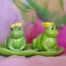 FROGS ON LILY PAD Salt & Pepper VINTAGE Japan SO CUTE!