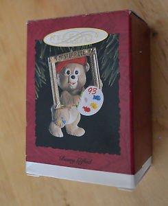 NEW 1993 Hallmark Keepsake Ornament Beary Gifted Masterpiece Framed Artist Bear