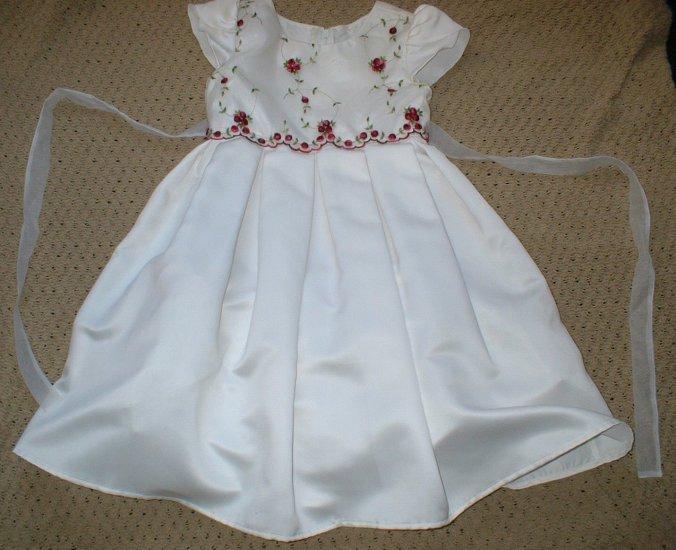Girls Dress With Rosebuds sz 4 Easter Church