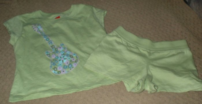 Girls Green Flower Guitar Top and Shorts Size 4 5