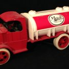 Ertl Gas Truck Bank Replica of 1926 Mack Tanker Red & White Bulldog