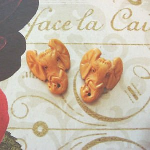 Hand Carved Bone Elephant Head Bead, Focal Pendant, 33mm, 1 bead