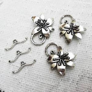 Pewter Flower Toggle Clasp, 30mm, 2 Sets Antique Silver Finish