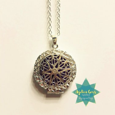 Silver Star Diffuser Necklace