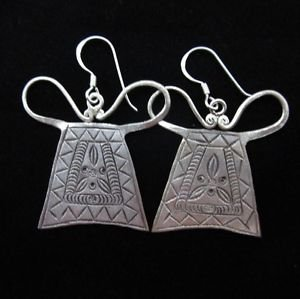 Fine silver earrings Hill tribe Thai karen Heart Locked old traditional faithful