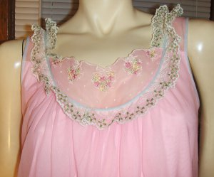 Pretty In Pink Vintage Double Nylon Ruffle Lace Nightgown M. 60s 70s