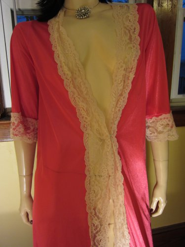 Vintage Glam 70s Hot Pink Lace Trimmed Nylon Robe Size M.