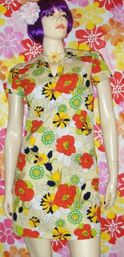 MAKE LOVE Not WAR Vintage 60s Flower Power Mod Mini Dress S.