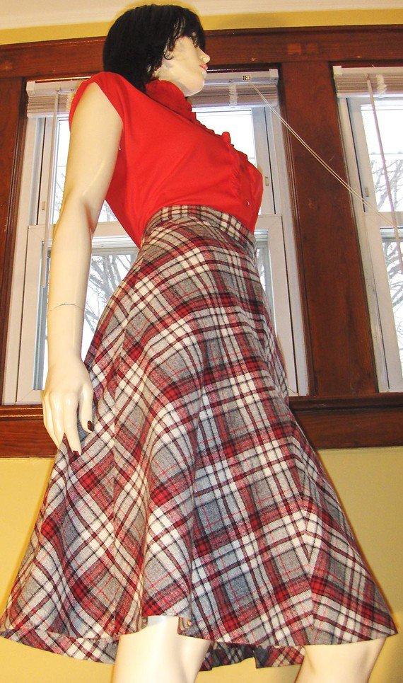 Vintage 70s Schoolgirl Pleated Plaid High Waisted Aline Wool Skirt S/M