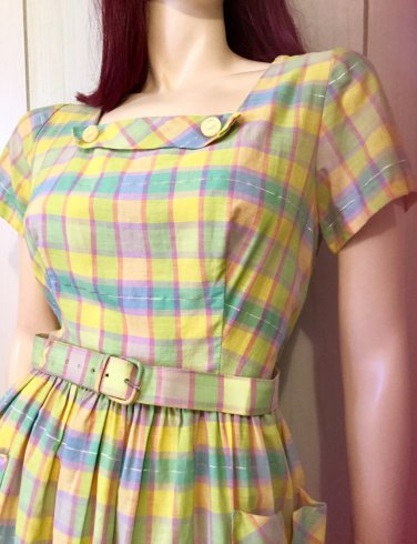 Vintage 1950s Plaid Print Flaired Skirt Cotton Day Dress M