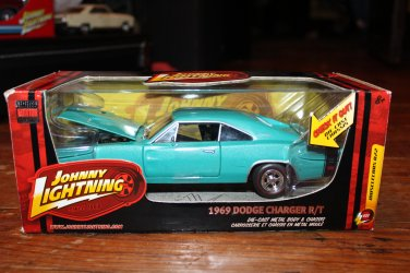 Johnny Lightning 1969 Dodge Charger R/T Blue 1/24