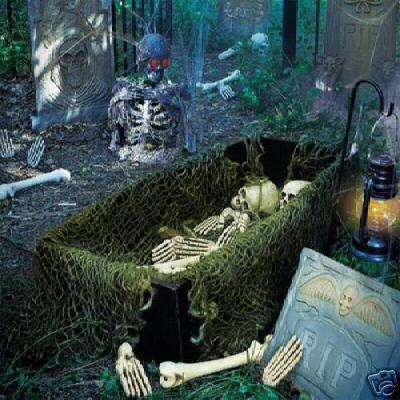 Halloween Graveyard Scene ( Animated with Sound )