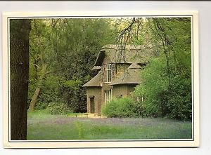 POSTCARD - Queen Charlotte's Cottage, Royal Botantic Gardens Kew, London UK