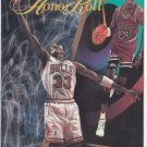 Scottie Pippen 1995-96 Skybox HONOR ROLL #251 Chicago Bulls