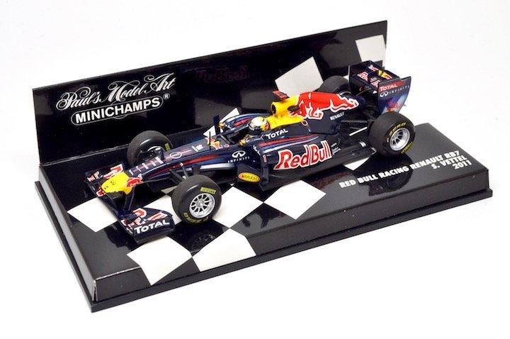 Minichamps 410110001 Redbull Racing Renault RB7 'Vettel' F1 World Champion 2011