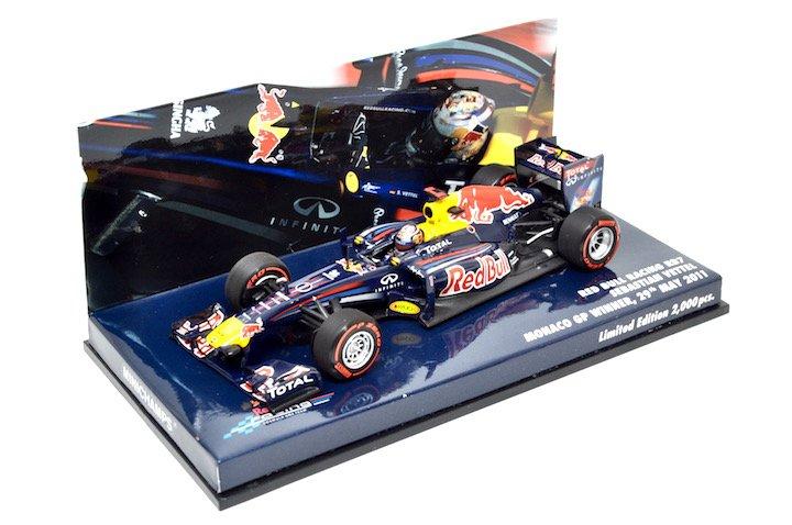 Minichamps 413110401 Red Bull Racing RB7 #1 'Vettel' F1 World Champion 2011