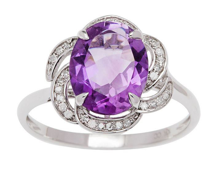 10k White Gold 3.16ct Oval Amethyst and Pave Curved Halo Diamond Ring