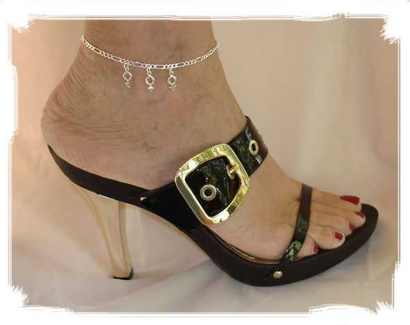 "AMFM001 - Ankle Jewelry with ""MFM"" Charms"