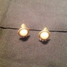 VINTAGE ESTATE GOLD TONE PEARL WITH RHINESTONE CLIP ON EARRINGS SMALL