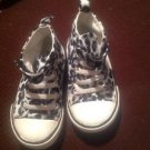 OLD NAVY INFANT SNEAKERS 12 - 18 MONTHS SIZE 6 VERY GOOD CONDITION