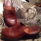 BORN Hand Crafted Footwear WOMEN'S Brown Genuine Leather Clogs SIZE 5M