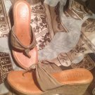 ITALIAN SHOEMAKERS ITALY WOMEN'S LIGHT BROWN TAN Wedge Thong SANDALS SHOES 8M