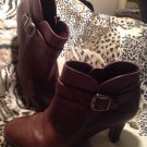 "NUTURE WOMEN'S BROWN LEATHER ANKLE BOOTS Size 8M HEEL 2.5"" **Very Good Cond**"