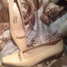 SALVATORE FERRAGAMO WOMEN'S TAN LOW PUMPS W/Gold Accent SZ 8 2A MRSP $298