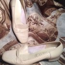 WOMEN'S VINTAGE 80's COBBIES ITALIAN IVORY LEATHER SLIP ON LOAFERS SIZE 7.5A 3A