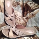 CLARKS ARTISAN COLLECTION WOMEN'S TAN LEATHER & CROC WEDGE THONG SANDALS SIZE 6M
