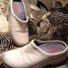 Women's KLOGS Non Marking Leather Mules Clogs Shoes 12M White Nurse Professional