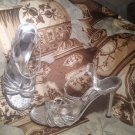 """PIERRE DUMAS """"POLLY"""" WOMEN'S SILVER CRACKLED T-STRAP OPEN TOE SANDALS SIZE 6.5M"""