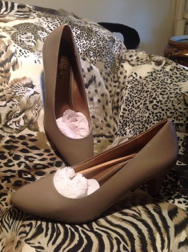 Life Stride Sable Women's NEW Round Toe Synthetic TAUPE Heels Shoes Sz 10M