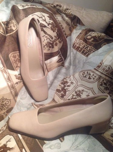 Aerology  By AEROSOLES SARA Beige Pumps Heels Leather Classic SHOES SIZE 8M