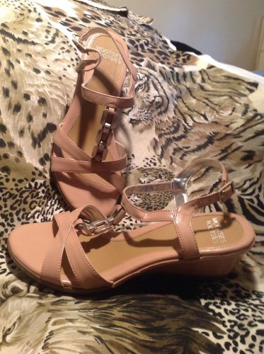 Women's Shoes Mootsies Tootsies 8M MAUVE Faux Patent Leather Sandal Wedge Heel