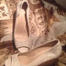 "FRANCO SARTO WOMEN'S ""GRAPE"" IVORY PEEP-TOE WEDGE CUTOUT PUMPS 9.5 M MRSP $88"