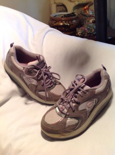 "Beautiful! Womens ""Skechers Shape-Ups"" Athletic Shoes Sz 8.5M Gray Pink & White"