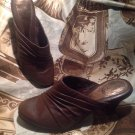 Eurosoft Mystic BROWN Leather Closed Toe PLEATED Mules Heels Shoes Size 7M