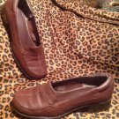 LIZ CLAIBORNE VILLAGER LADIES BROWN GRAINED LEATHER LOAFER SHOES SIZE 7.5M