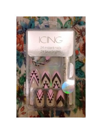 Icing 24 instant nails 744845 free panty