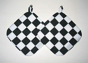 "8"" Hot Pot Pad/Pot Holder with Hanger Set - BLACK & WHITE CHECK"