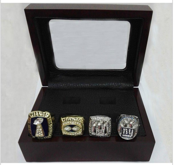 New York Giants Super Bowl Replica Championship Ring Set With Mahogany Display Case