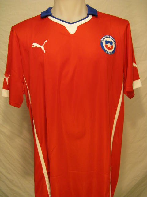 Chile Men's XL Red Puma Soccer Jersey
